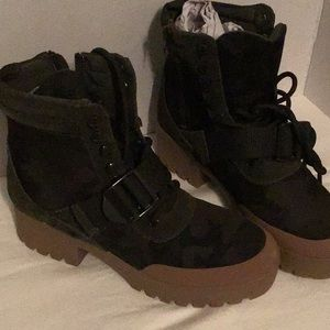 Steve Madden-Nayra Camo Multi Boots